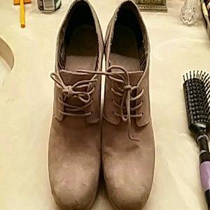 Women boot wedge style